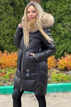 Зимняя женская куртка белого цвета
